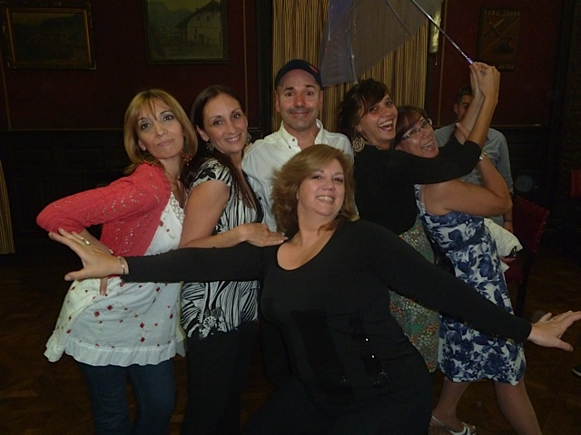 De izquierda a derecha: María del Carmen Paratcha, Gabriela Rowinski, Andrea Cignoni, Hugo Ucha, Clara Gallardo, Claudia Migotti. [Foto Rolando Gómez]
