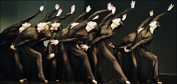"""[Ursula Kaufmann]Dancers and singers double as the chorus in Pina Bausch's version of Gluck's """"Orfeo ed Euridice,"""" now at the Paris Opera Ballet."""