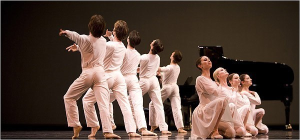 """[Errik Tomasson]Members of the San Francisco Ballet performing Mark Morris's """"Drink to Me Only With Thine Eyes,"""" part of the company's second program for 2008."""