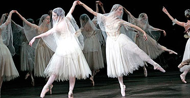 The ROH corps were on electrifying form in Giselle. [Photographer: Tristram Kenton.]