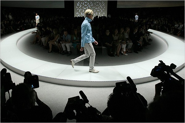 [Photo: Alessandro Garofalo/Reuters] The runway of the Versace spring/summer 2009 men's show.